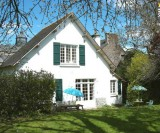 Charming cottage with large secluded garden in a village