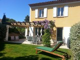 Pretty 3 Bedroom Villa in Pont Royal, Provence with stunning views of the Luberon